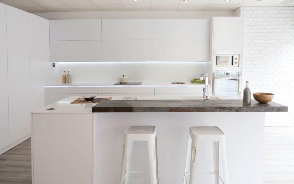 Cocinas minimalistas arcomobel - Muebles de cocina laminados ...